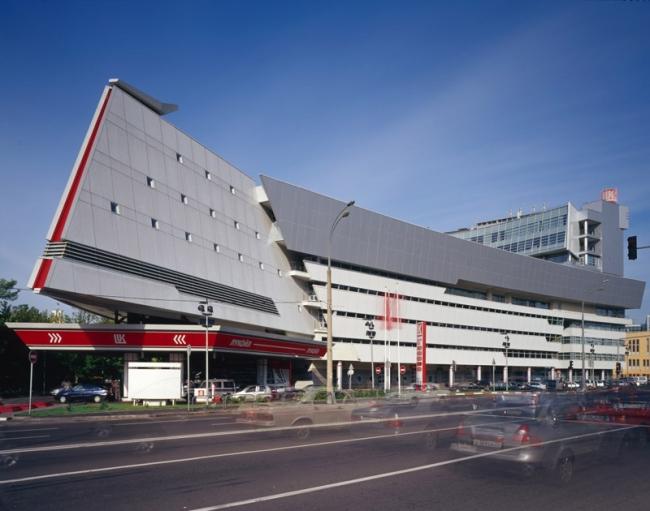 Многофункциональный комплекс на ул. Б. Екатерининская.  Фотография © Юрий Пальмин, Владислав Ефимов