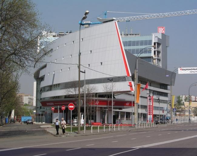 Многофункциональный комплекс на ул. Б. Екатерининская. Фотография © Антон Надточий