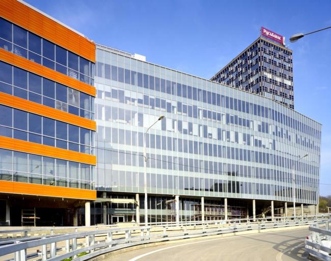 Бизнес-центр «Силвер Сити». Фотография © Юрий Пальмин