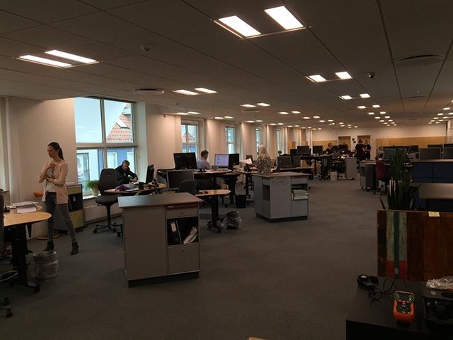 Новое освещение HR-департамента в Jyske Bank (г. Silkeborg, Дания) с квадро-сетами ESYLUX Nova. Фотография предоставлена ООО «ИЗИЛЮКС РУ»