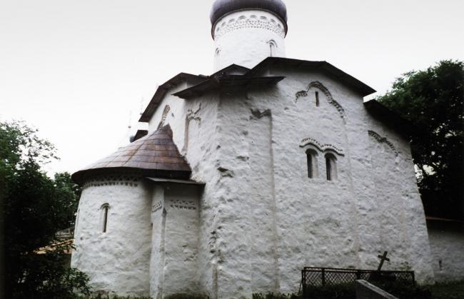 Церковь Успения в Мелётове, 1461-1462. Фотография © Юлия Тарабарина, 2002