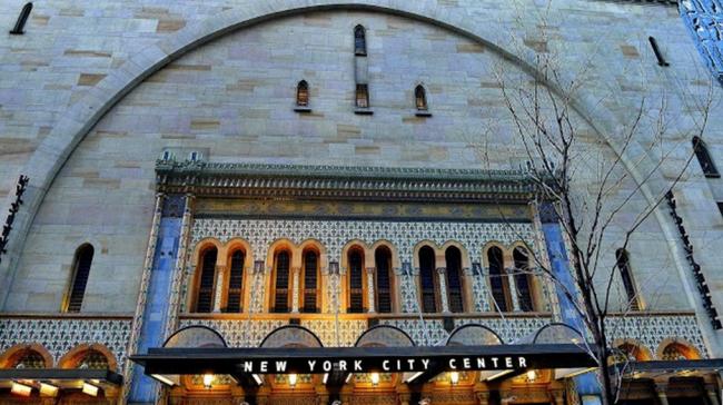 Главный вход в New York City Center. фото http://www.ludowici-tile.ru/