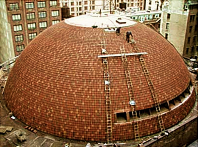 Строительство купола New York City Center в 1924 году. фото http://www.ludowici-tile.ru/
