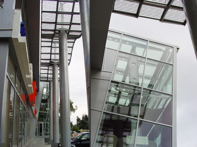 Реконструкция стилобатной части жилого дома на проспекте Маршала Жукова  © Гинзбург Архитектс