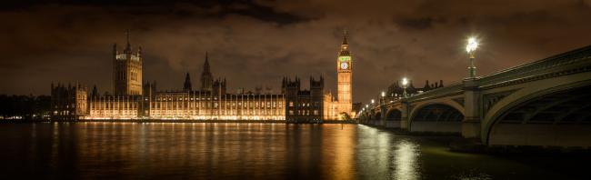 Биг-Бен и Вестминстерский дворец (панорамный снимок), Лондон © Rod Edwards