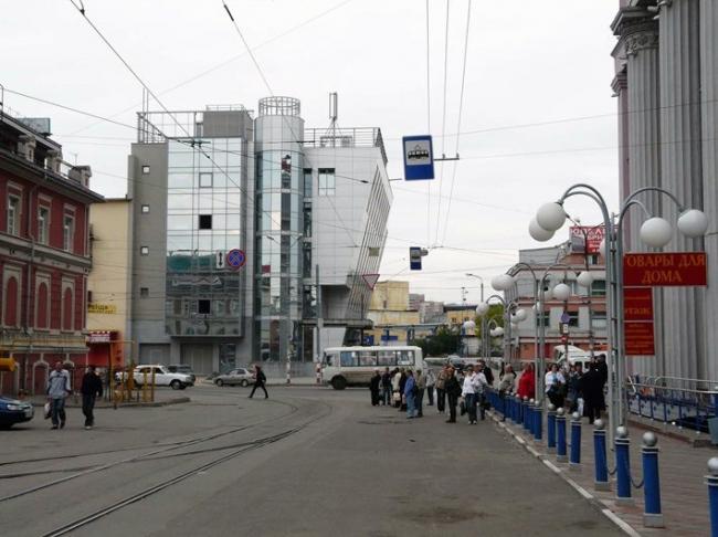 ТЦ Чкалов. Вид на здание с трамвайного проезда © Архстрой