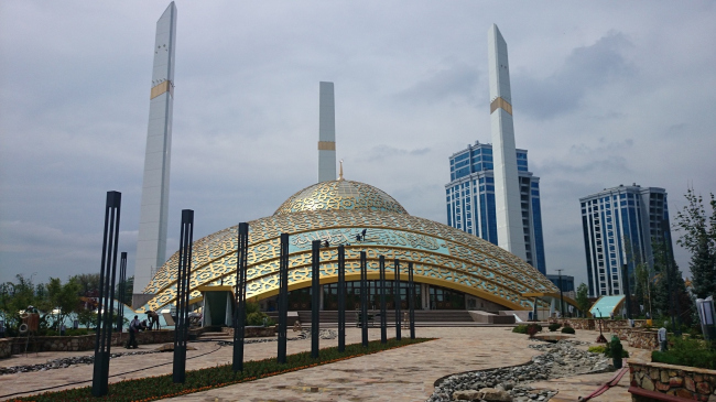 Мечеть имени Аймани Кадыровой. Фото: Kalzip