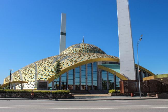 Мечеть «Сердце матери» в городе Аргун. Фото: Kalzip