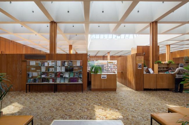 Фрагмент библиотеки. 2015 г. Фото © Денис Есаков