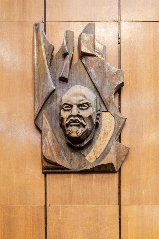Портретная галерея библиотеки. Ленин. 2017 г. Фото © Денис Есаков