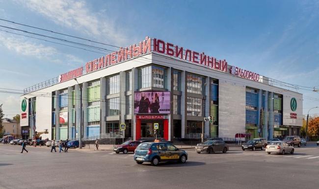 Торговый центр на пр. Чкалова, 23 © Арт-Проект