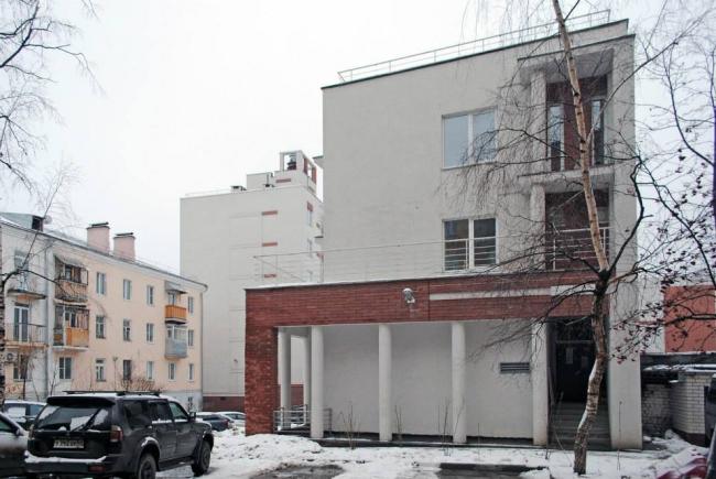 Жилой дом со встроенными помещениями общественного назначения на ул. Варваринской © Архитектоника