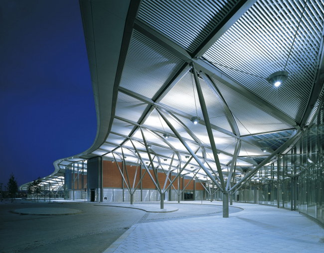 Пересадочный узел North Greenwich Interchange © Foster + Partners