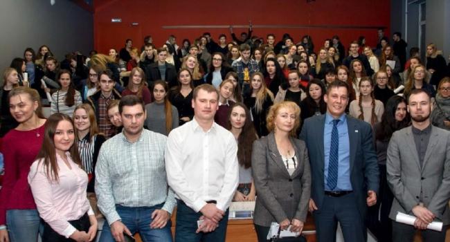 Конкурс для молодых архитекторов. Фотография предоставлена компанией «РОТО ФРАНК»
