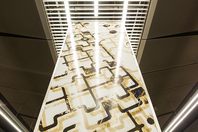 Станция метро «Минская» – колонны защищены антивандальными стеклами. Проектировщик: «Метрогипротранс». Фотография предоставлена компанией «АСП-Технолоджи»