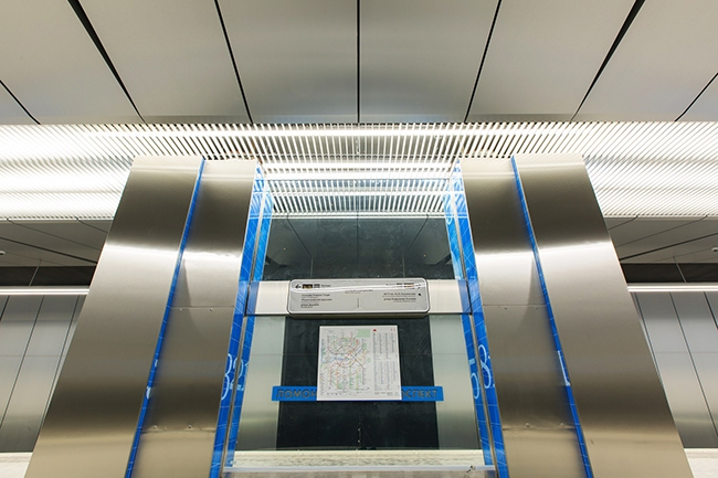 Лифт на станции метро «Ломоносовский проспект». Проектировщик: «Метрогипротранс». Фотография предоставлена компанией «АСП-Технолоджи»