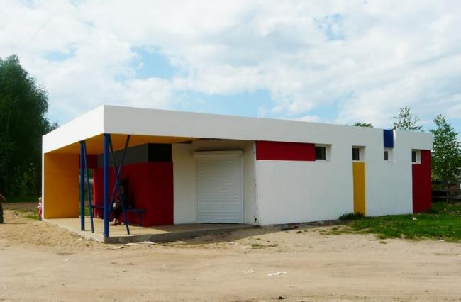Магазин с остановкой общественного транспорта в пос. Б.Пикино © Архитектор: Рыбин Е.О.