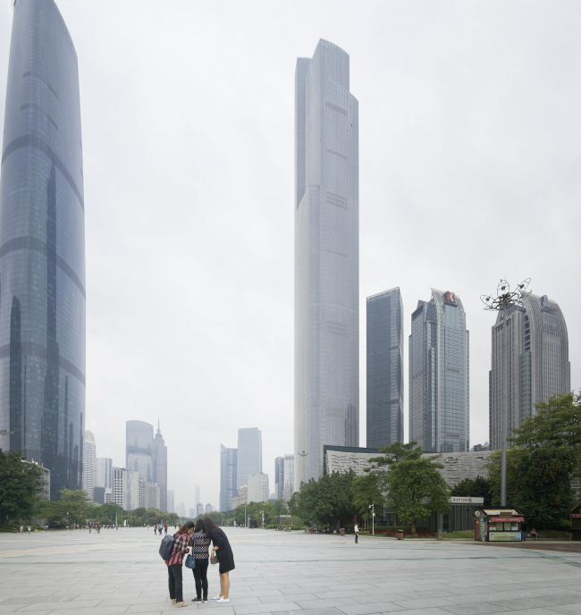 Башня Guangzhou CTF Finance Centre © Julien Lanoo