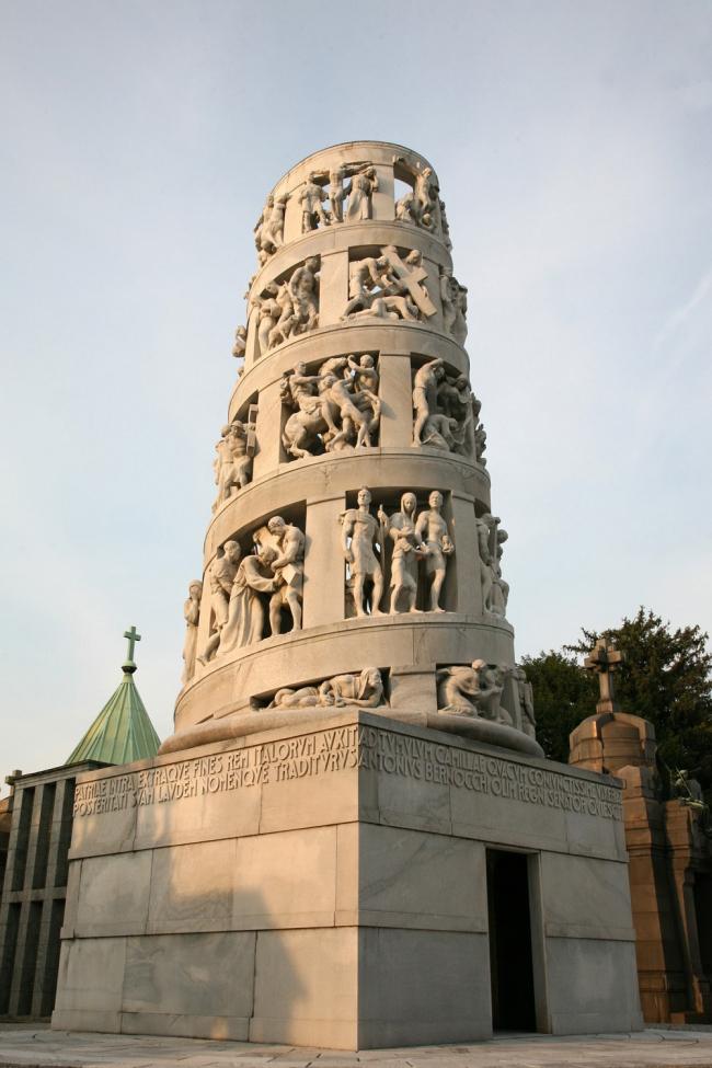 8. Надгробие Бернокки на миланском кладбище, 1931-36. Фотография: Андрей Бархин