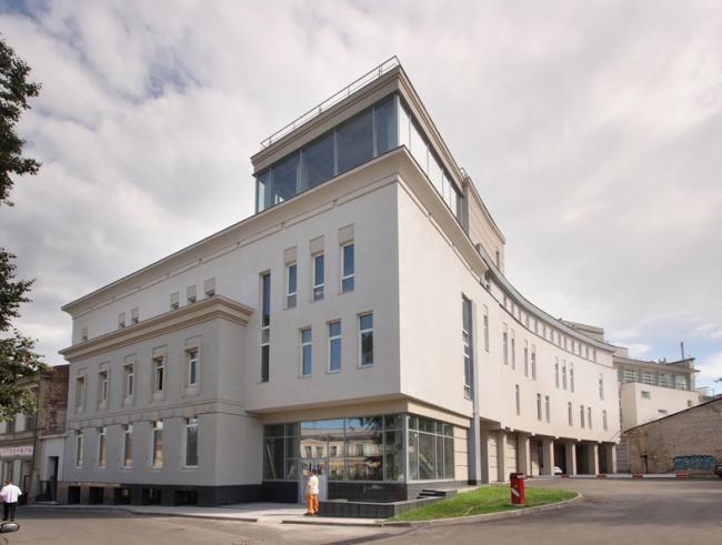 Административно-торговое здание на ул. Октябрьская © Архитектурное бюро «5 и 5»