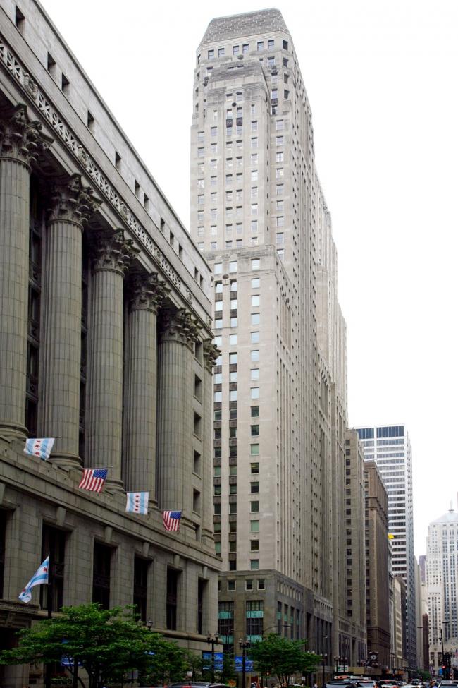 2. Муниципалитет (1911) и Фореман банк билдинг (1930) на Ла-Саль стрит в Чикаго