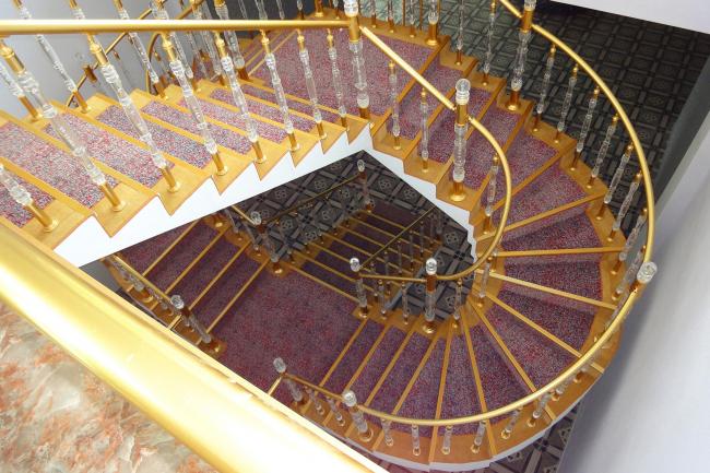Castello Mare Hotel & Wellness Resort, лестница в холл конференц-зала и ресторана, постройка, 2016 © Лев Нодельман