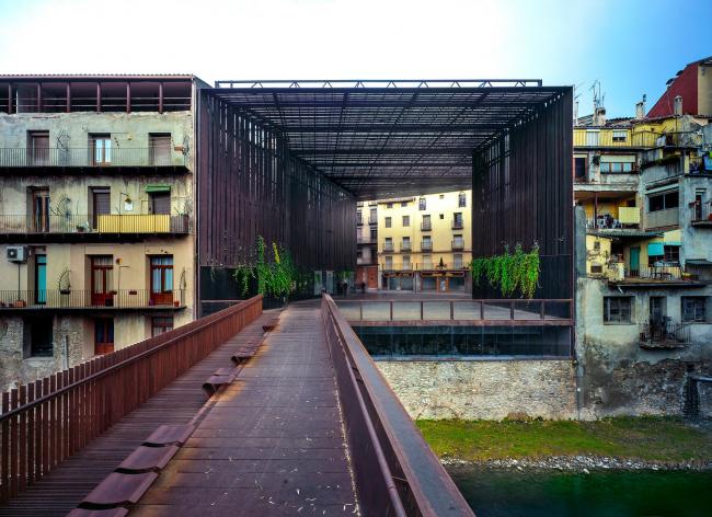 Театр La Lira, Риполь, Жирона, Испания © Hisao Suzuki
