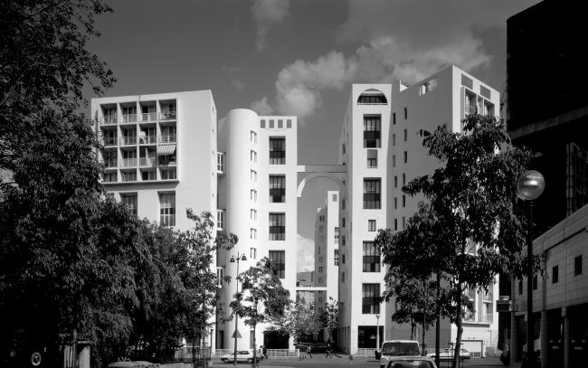 Жилой комплекс на улице Бодрикур, Париж. 1975-1979. Кристиан де Портзампарк. Фотография © Nicolas Borel