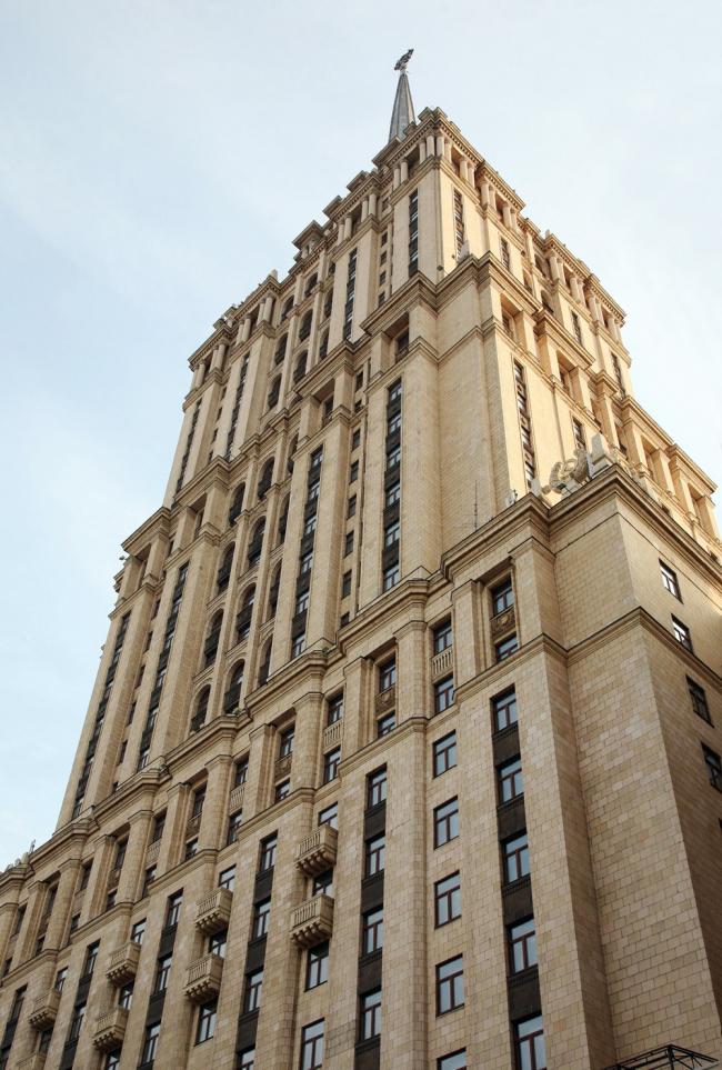 8. Высотное здание гостиницы Украина, арх. А.Г.Мордвинов, В.К.Олтаржевский, 1953-57