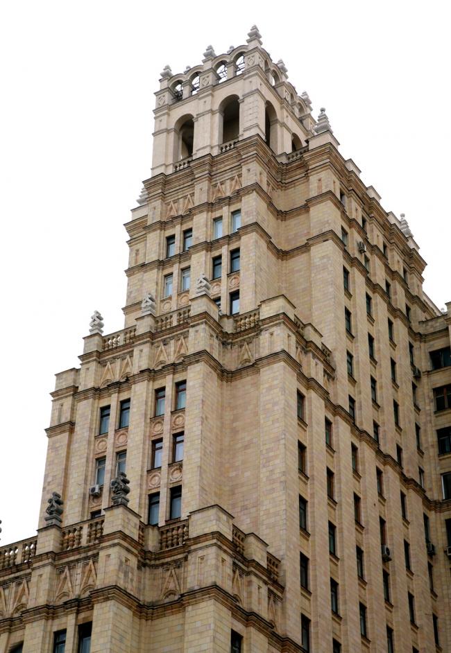 1. Высотное здание на площади Восстания в Москве, М.В.Посохин, А.А.Мндоянц, 1948-54