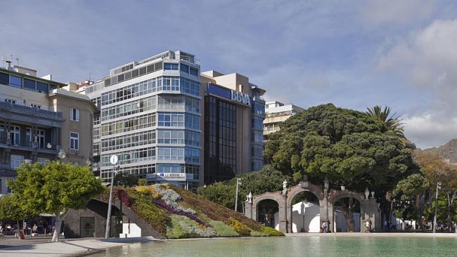 Площадь Испании – реконструкция. Фото: Diego Delso via Wikimedia Commons. Лицензия CC-BY-SA-3.0