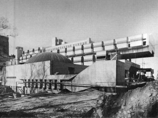 «Восточная жилая единица» (Residenze Est) в Ивреа. Фото нач. 1970-х гг.