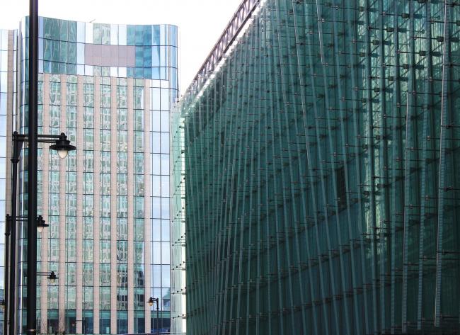 Докландс – очень зелёный район: такого количества зеленого стекла больше в Лондоне нет нигде. Фото Марины Игнатушко
