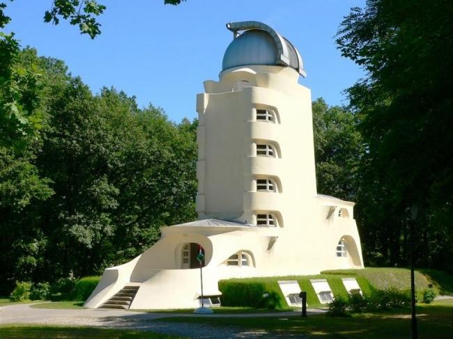 «Башня Эйнштейна» в Потсдаме. Фото: Astrophysikalisches Institut Potsdam via Wikimedia Commons