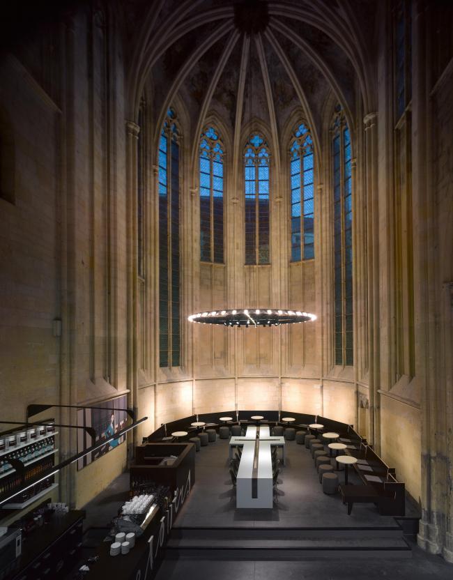 Книжный магазин Selexyz Dominicanenkerk Maastricht © Roos Aldershoff