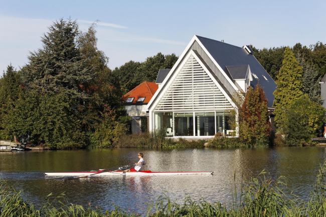 Частный дом в Роттердаме © René de Wit