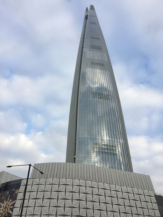 Lotte World Tower. Фото: Café Bene via Wikimedia Commons. Лицензия Creative Commons Attribution-Share Alike 3.0 Unported