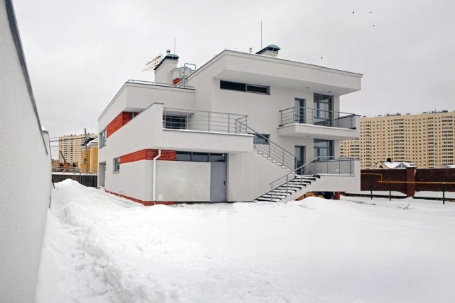 Частный дом в Верхних Печёрах © Виктор Жданов