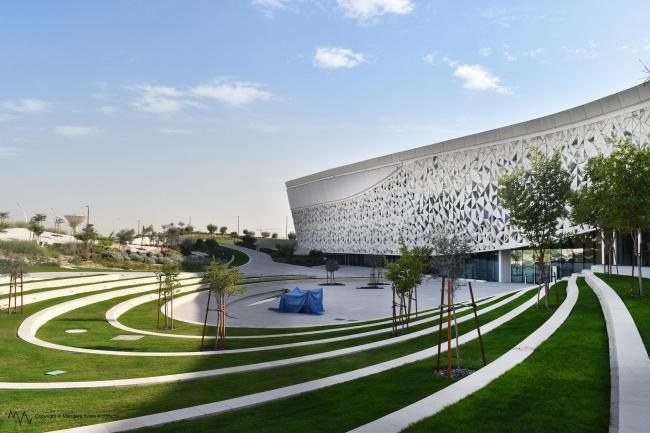 Катарский факультет исламоведения и мечеть «Города образования» © Mangera Yvars Architects