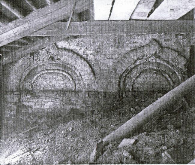 Церковь Воскресения Христова на Остоженке. Закомары западной стены. Фотография предоставлена Алексеем Котовым