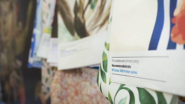 Печать на различных видах ткани. Фотография предоставлена компанией HP Inc.