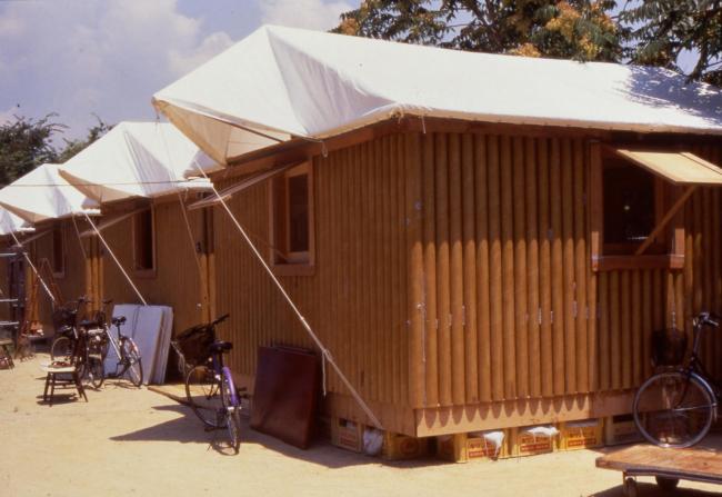 Paper Log Houses in Kobe, Japan, 1995. Photo by Takanobu Sakuma.