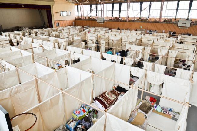 Картоно-бумажная система разделения пространства. Иватэ. Фото: Voluntary Architects′ Network