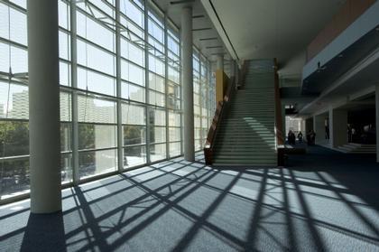Центр исполнительских искусств Холланда. Вестибюль