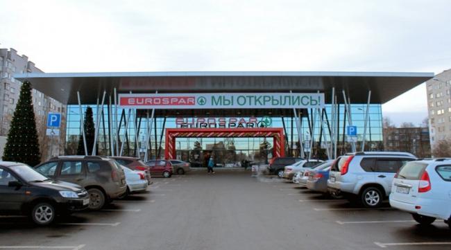 Торговый центр «SPAR» на проспекте Героев © ПТМА Тимофеева С.А.