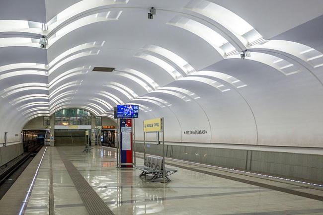 Станция метро «Лесопарковая». Фото: Antares 610 via Wikimedia Commons. Фото находится в общем доступе