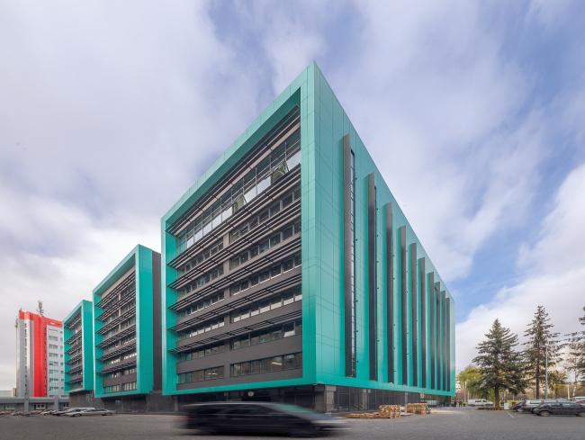 Офисный комплекс «Оптима Плаза». Вид с юго-востока © Архиматика