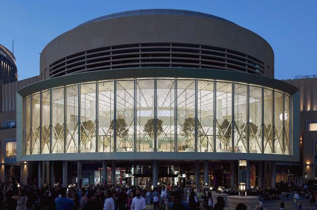 Магазин Apple в Дубае. Проект Нормана Фостера. Фотография: apple.com