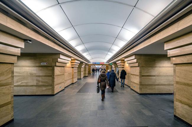 Станция метро «Спасская». Фото: Alex ′Florstein′ Fedorov via Wikimedia Commons. Лицензия: CC BY-SA 4.0