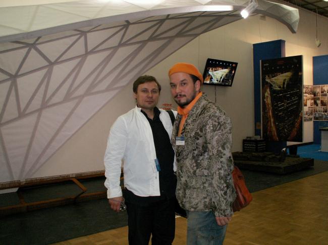 Владислав Савинкин (слева) и Владимир Кузьмин. Диплом I степени в номинации «Лучшая архитектурная экспозиция»